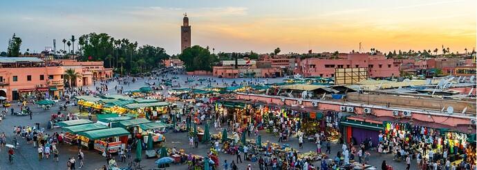 bazaar-in-medina-of-marrakech-jemaa-elfna-in-sunset-picture-id1169115527